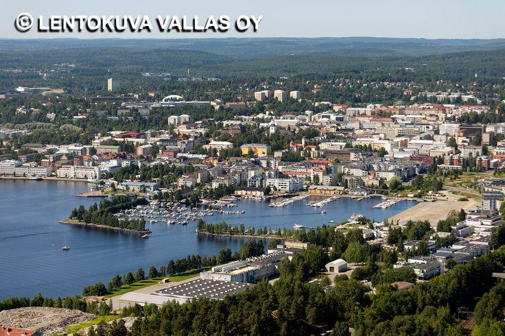 Maljalahden venesatama ja kaupunkia Ilmakuva: Lentokuva Vallas Oy