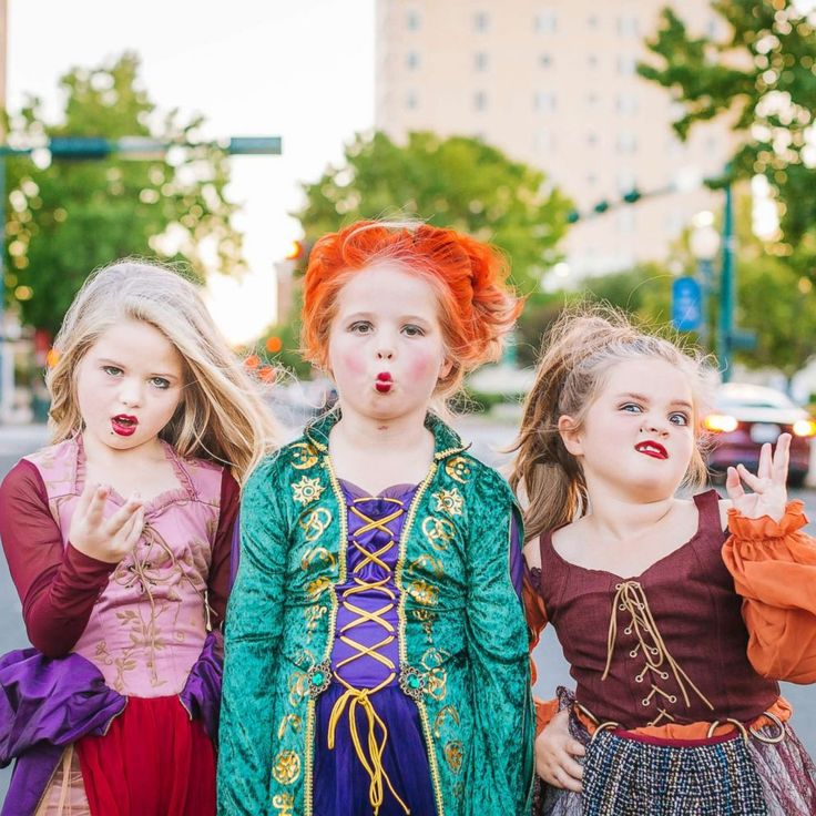 Young sisters win Halloween as the Sandersons from 'Hocus Pocus'