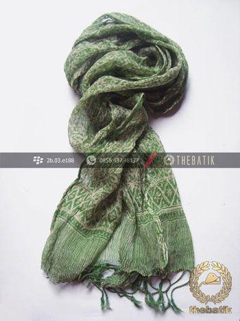 Syal Batik Sutra Warna Hijau Pupus | #Indonesia #Batik #Scarves Shawl Wholesale http://thebatik.co.id/syal-selendang-batik/