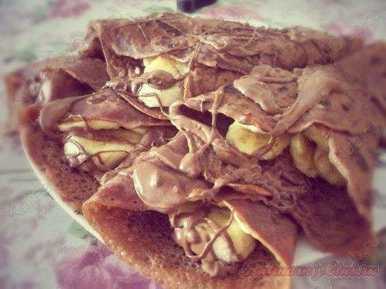 Шоколадные блины с бананами on http://kulinarniyclub.ru