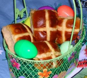 Hot Cross Buns w/FREE Shipping in USA - one of our favourite Easter treats!!