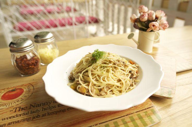 Cecile's Hot Tuna Spaghetti #nannyspavillon #food #pasta