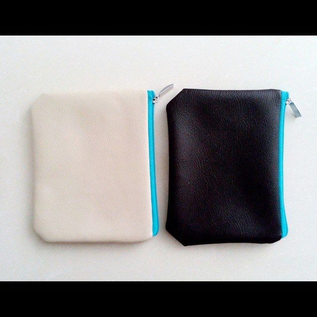 New Ready from Jakarta - Blue Soft Pearl Pouch (Cream) - Blue Casson Pouch (Black) IDR 45.000 Material : Premium Synthetic Leather  Whatsapp at 081807000120  Follow us on Twitter and Facebook Page at Vorshki