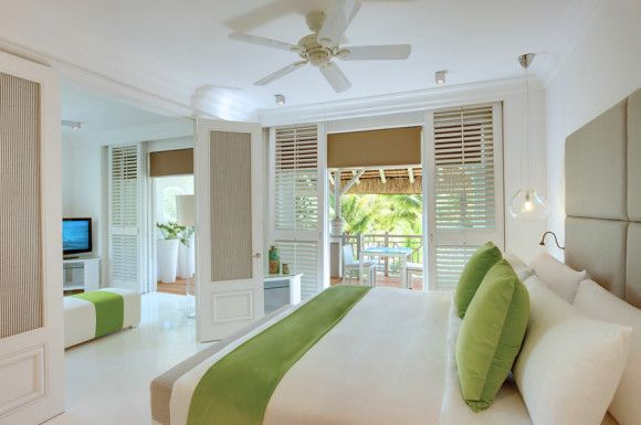 Honeymoon Suite LUX* Belle Mare Resort per le vostre vacanza a Mauritius con Press Tours Per informazioni:   http://goo.gl/mgVK37