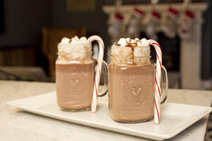 Regala en cualquier ocasión especial algo hecho por ti. Estas cerezas cubiertas de chocolate serán la sensación para todos los amantes del chocolate.