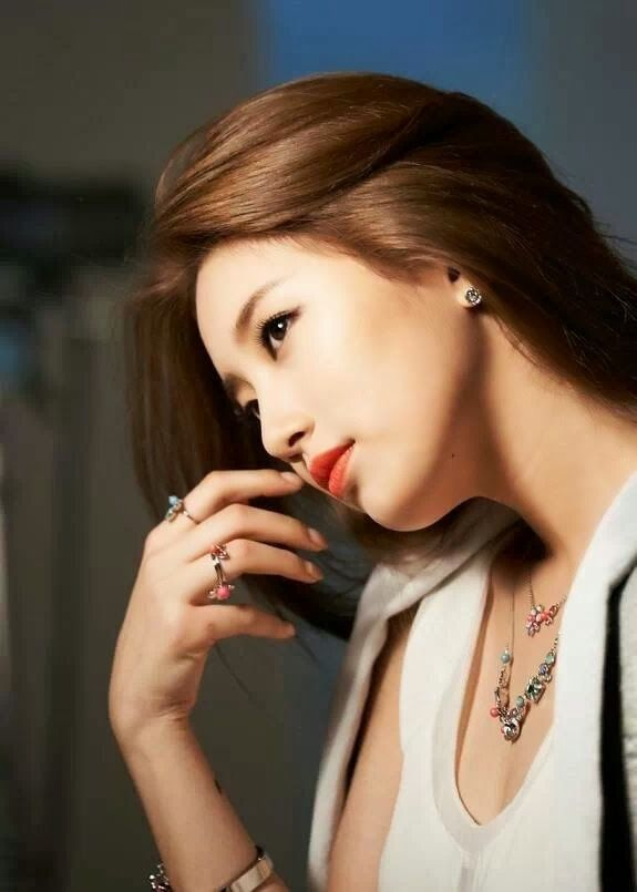 miss A Suzy reveals BTS photos for Swarovski - Latest K-pop News - K-pop News | Daily K Pop News