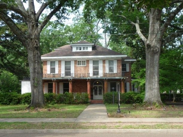 The house where Sally Field and her family lived in the 1989 movie Steel Magnolias is now a Bed & Breakfast in Natchitoches, Louisiana. It was built before the Civil War in the 1830s and sits along the Cane River.    It just went on the market for $1.175 million, so let's compare how it looked in the movie to how it looks today!