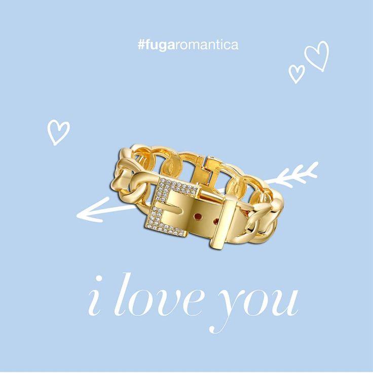 Il bracciale in metallo color oro con fibbia e cristalli bianchi indossato dalla fashion blogger Anna Colucci sul suo Just Fashionable! #bracciale #lucabarragioielli euro 26 #blogdimoda #justfashionable
