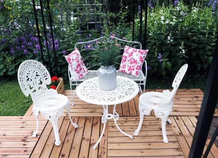 Rococo garden furniture