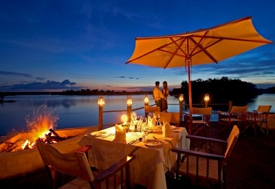 Top Luxury Lodges - Sussi & Chuma Lodge - Victoria Falls Accommodation - http://www.uyaphi.com/Acc/zam/ZAMsussilodge.htm