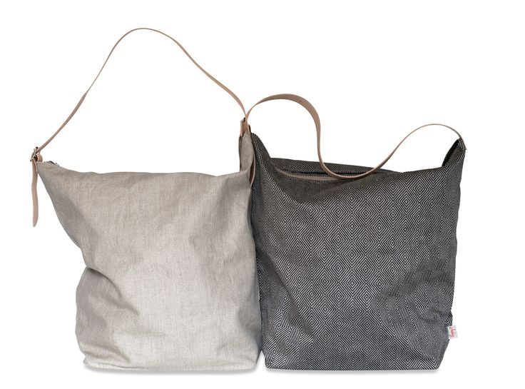 Weekendbag from Växbo Lin, Linen produced in Växbo, leather from Tärnsjö Tannery. Really made in sweden. available at the webshop! www.vaxbolin.se
