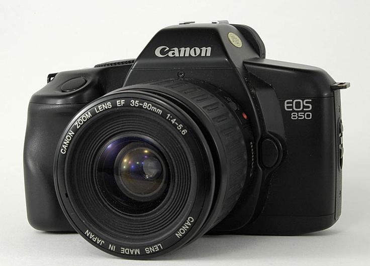 N°4: L'EOS 850 a été commercialisé en Octobre 1988.
