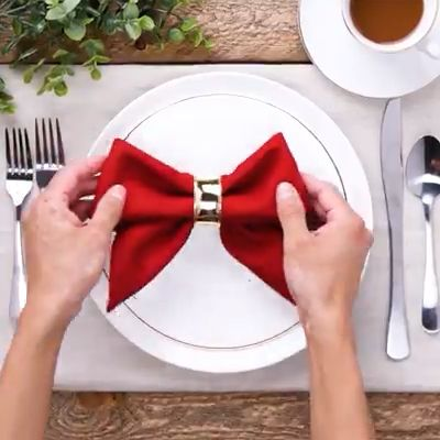 Impress your guests with these 14 napkin folds!