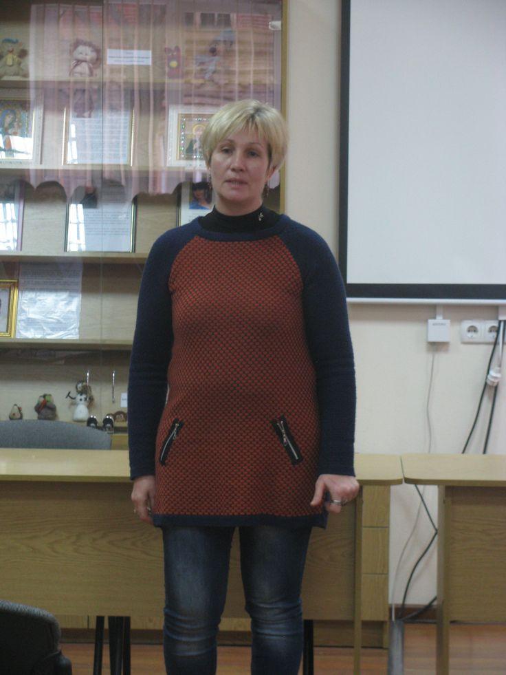 Ірина Олександрівна Колєснікова, завідувач сектором науково-технічної бібліотеки