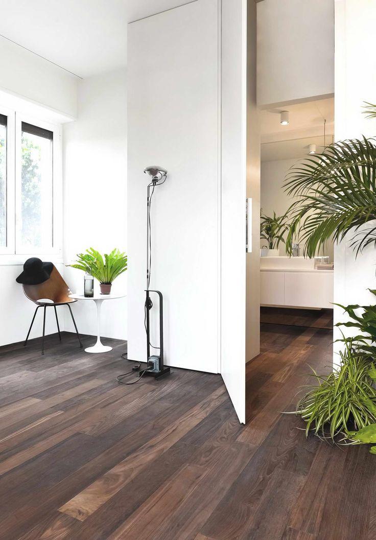 Olasz kreatív lakás amiben egy doboz a nappali, #barna #beton ...