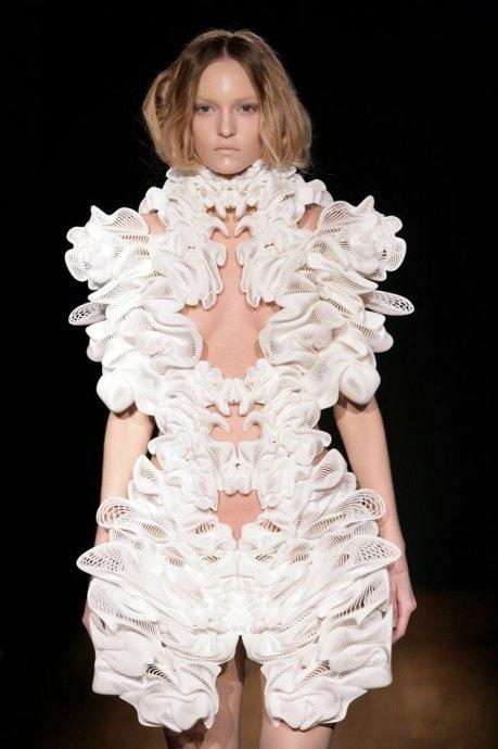 Iris Van Herpen - 3D printed fashion