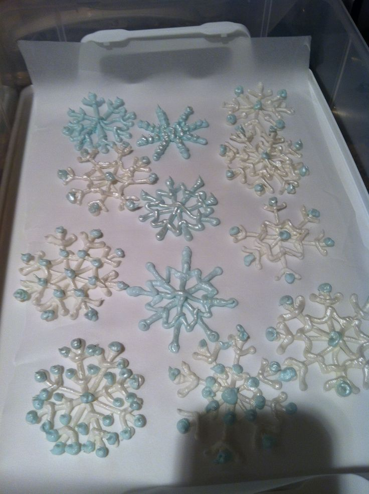 Shimmering Royal Icing Snowflakes Cakes Pinterest
