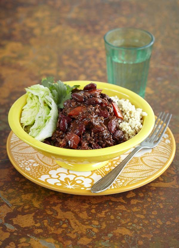 Best ever tex-mex style chilli con carne - our most popular chilli con carne recipe EVER! Made minced beef, chipotle powder, red wine, 70% dark chocolate and semi-dried tomatoes. Enjoy alongside corn tortillas, refried beans, avocado, fresh coriander, corn on the cob and Tabasco.
