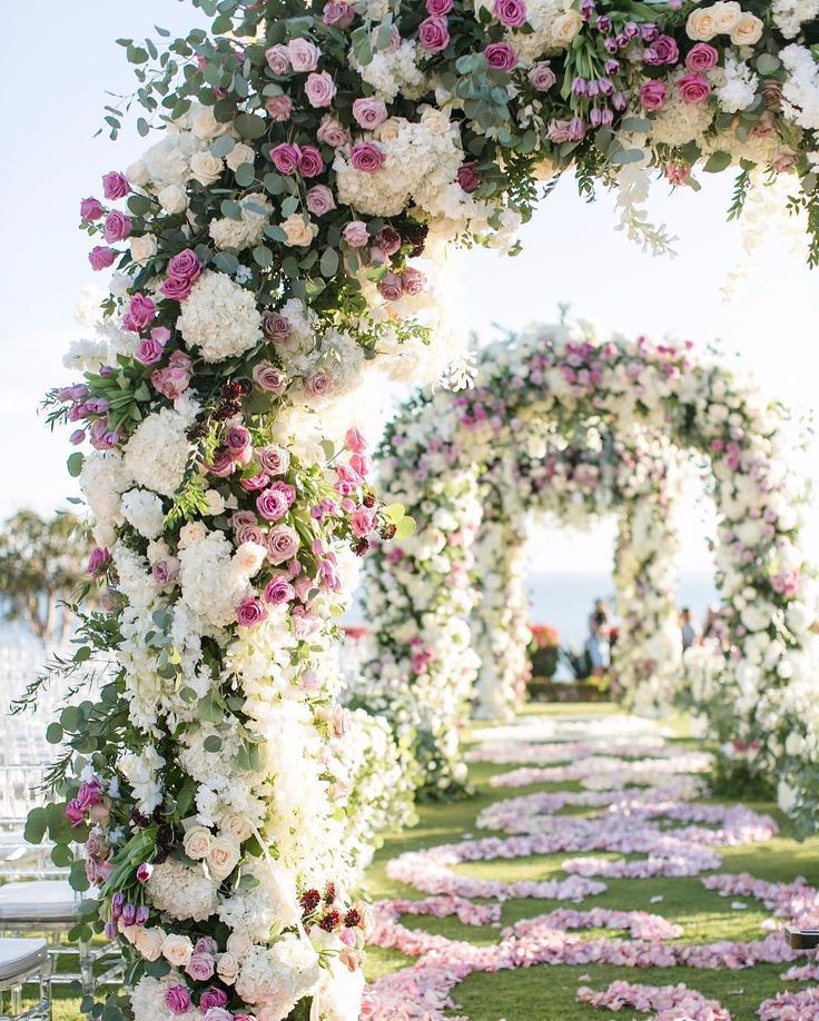 Wedding Arch Flowers Diy: 25+ Best Ideas About Floral Arch On Pinterest