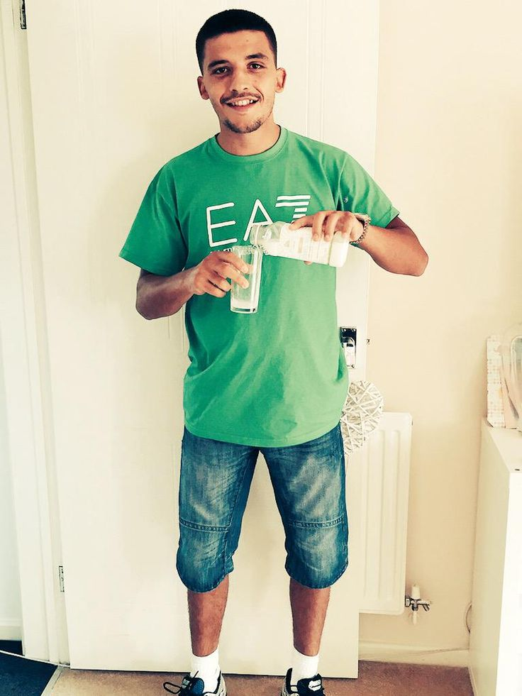 """Boxer Lee Selby- """"Trying the @MuscleFoodUK camel milk @jamezyw https://www.Musclefood.com"""""""