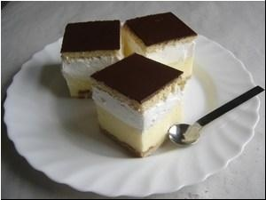 """""""The French Creamy"""" Hungarian dessert.-similar somewhat to the Napoleon. Creamy Sweet Heaven....francia kremes"""