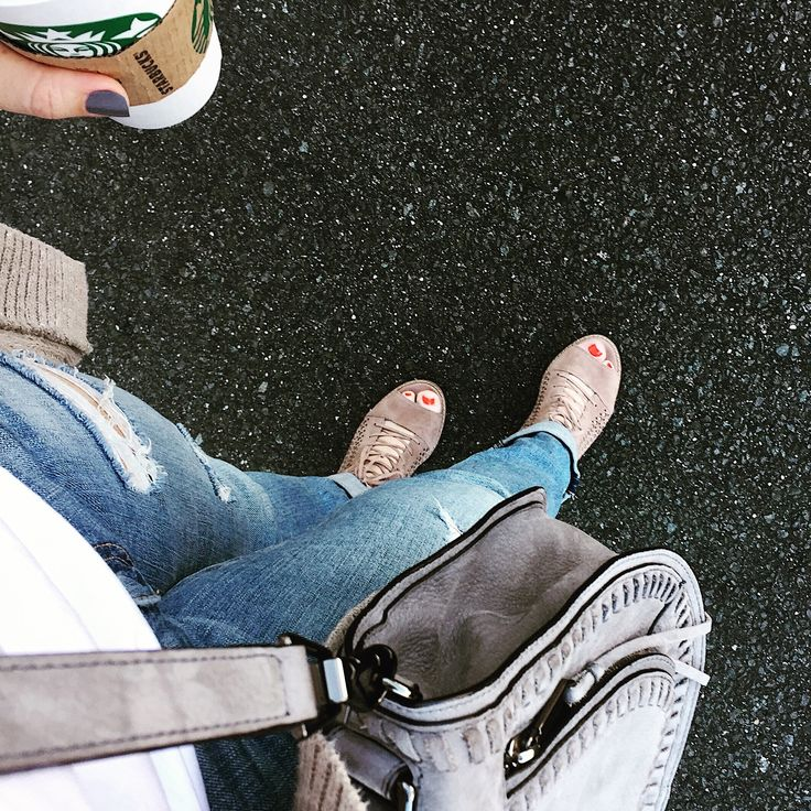 Errands and Peep Toes Rebecca Minkoff - Vanity bag - #corinnelyn #ragandbone #jeans #vince #camuto #denim #peeptoe #suede #rebecca #minkoff #vanity #bag #suede #grey #corinnelyn #fashionblogger #fblogger #blog #stylist #fashion #instagram #blogger #instagram #blogger #style