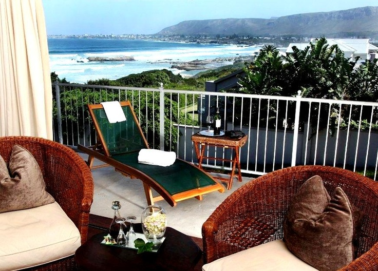 Hermanus Beach Villa - On rainy days you will be the only people in Hermanus to be able to view the whales from the comfort of your luxury Hermanus accommodation! Visitors to Hermanus Beach Villa can choose to take a leisurely stroll on the famous scenic Hermanus cliff path that stretches for kilometers along the coastline, or hike on one of the several mountain trails