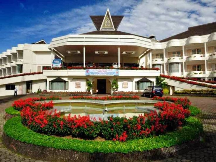 Grand Mutiara Hotel,Berastagi  Jl.Peceran 168 Brastagi.Telepon : (0628) 20921