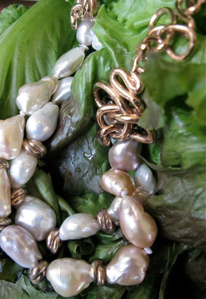 Argento dorato, perle e diamanti brown