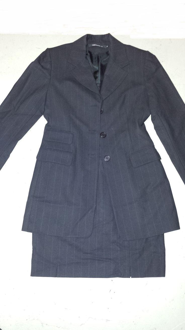 Mantelpakje, setje van rokje met colbert Merk Yumi Mazao Zwart krijtstreepje Maat 36 Zga nieuw Prijs € 35,-