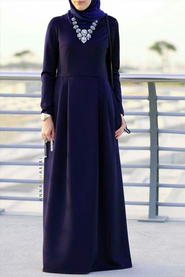 Navy blue long hijab