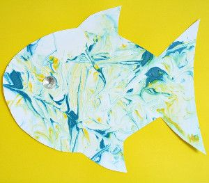 Unique painting ideas for kids are a great way to build creativity. This Eye-catching Marbled Fish Art is a really cool project idea that will get kids painting and having fun.