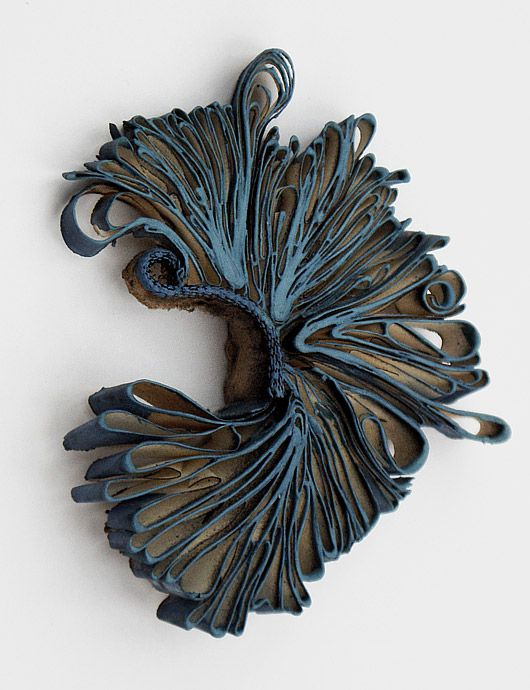 Sculptural Paper Jewellery - alternative materials; art jewelry // Flora Vagi