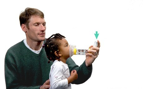 Some inhalers release an aerosol jet when pressed. Spacers work well with these as the amount of medicine inhaled in is increased and side effects are reduced. Spacers can also be useful to those who find it difficult to use their inhaler, however they are still recommended for those who can use their inhalers well.