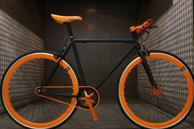 Vélo Fixie Single Speed Fabrik Driver - Noir Matt et Orange Fabrik Cycles