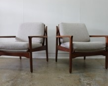 1960s Armchairs in cream wool fabric - The Vintage Shop