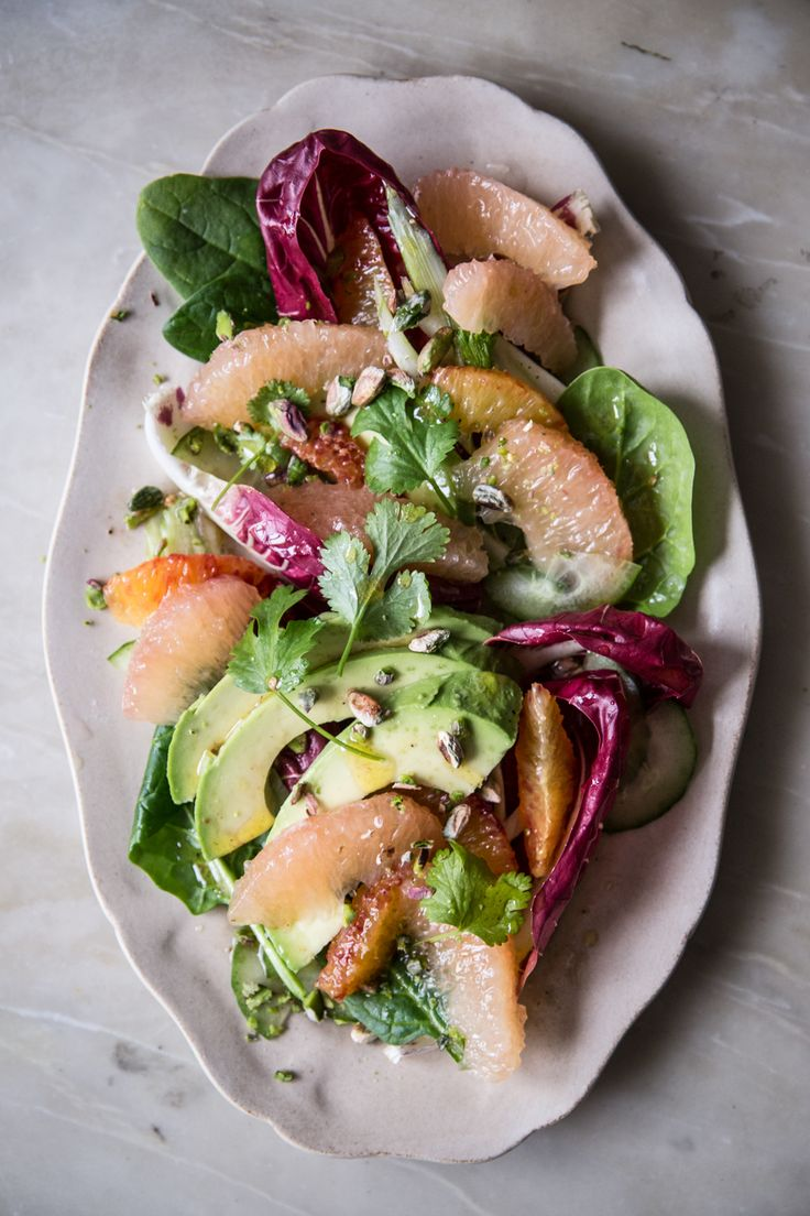 Salade Pamplemousse de Floride, orange sanguine, avocat, épinards, fenouil, concombre.