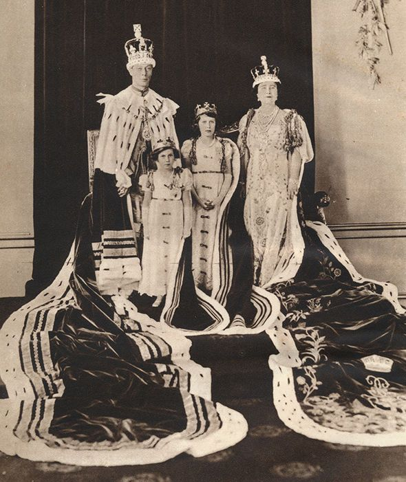 King George VI and Queen Elizabeth on their Coronation Day, 1937; with Princess Elizabeth (later Queen Elizabeth II) and Princess Margaret'.  -  Candid photographs of Queen Elizabeth II with King George VI To mark the 65th anniversary of the death of King George VI, we take a look at the touching photographs of King George VI with his daughter, Queen Elizabeth II.