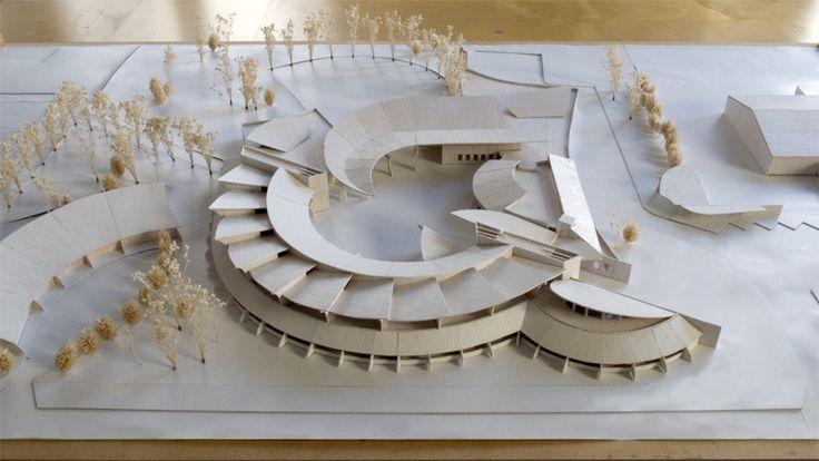 COLLÈGE 600,SAINT-MAURICE DE BENOST Concours en 2000  Ricardo Porro et Renaud de La Noue, architectes
