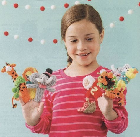 Here's a fun thing to crochet for the little ones… Noah's Ark Finger Puppets. Pattern is in english (over 5 pages)…and it's free!