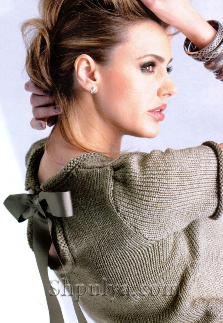 Пуловер с атласным бантом спицами