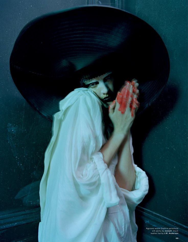 Agyness Deyn by Tim Walker, Love Magazine Spring/Summer, 2015. cor