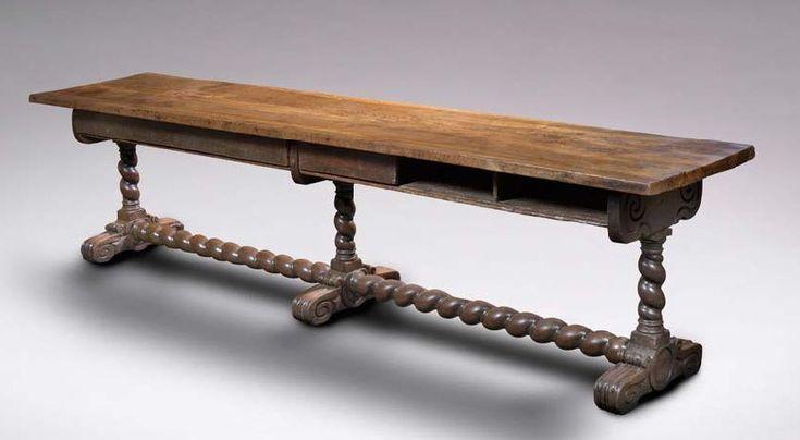 GRANDE TABLE Bois de noyer H :74 cm - L :311 cm - l :65 cm France - XVII ème siècle Cette très longue table est issue des modèles italiens. D'une très longue portée, le plateau encadré de moulures repose… - Aguttes - 05/11/2015