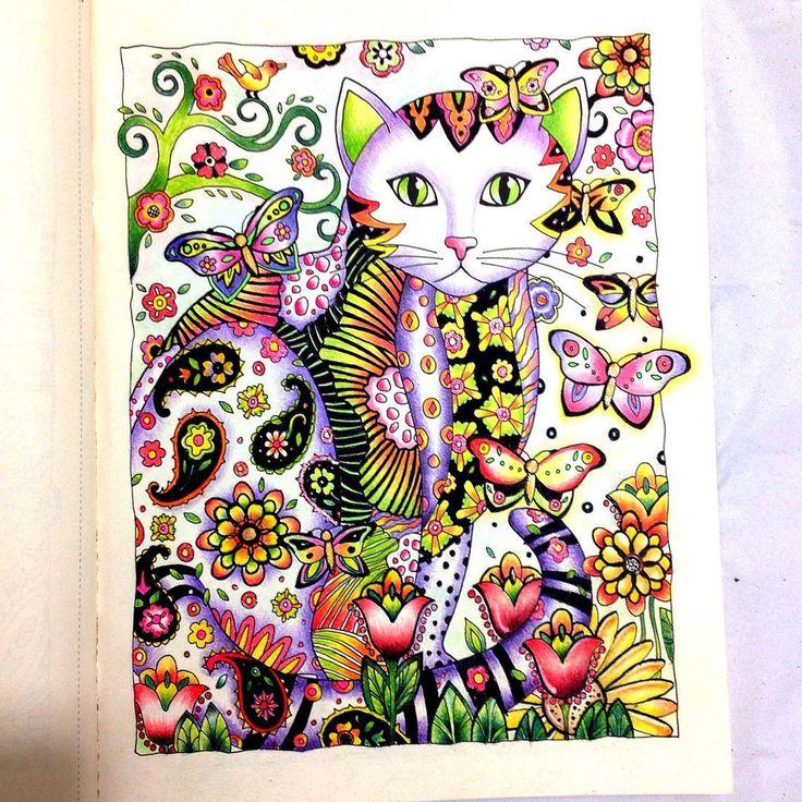 «Sábado é sempre um bom dia de botar os gatos para tomar sol... #gatosolivrodecolorir #gatos #colorfull #viciodecolorir #coloringbook…»