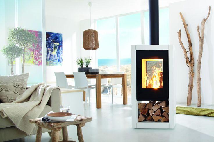 Chimeneas de doble cristal para separar ambientes en el #salón de casa #decoración #interiores #chimeneas #diseño #personalización #decoración