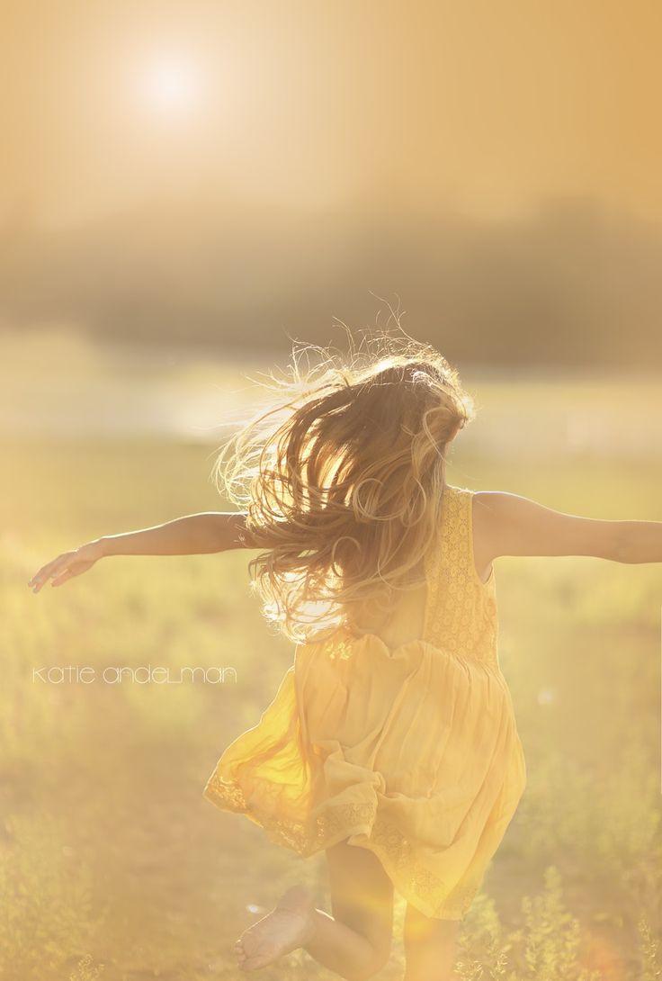 inspirer en ouvrant les bras, c'est laisser entrer l'espoir en soi, prendre tout le positif et lâcher les tracas.