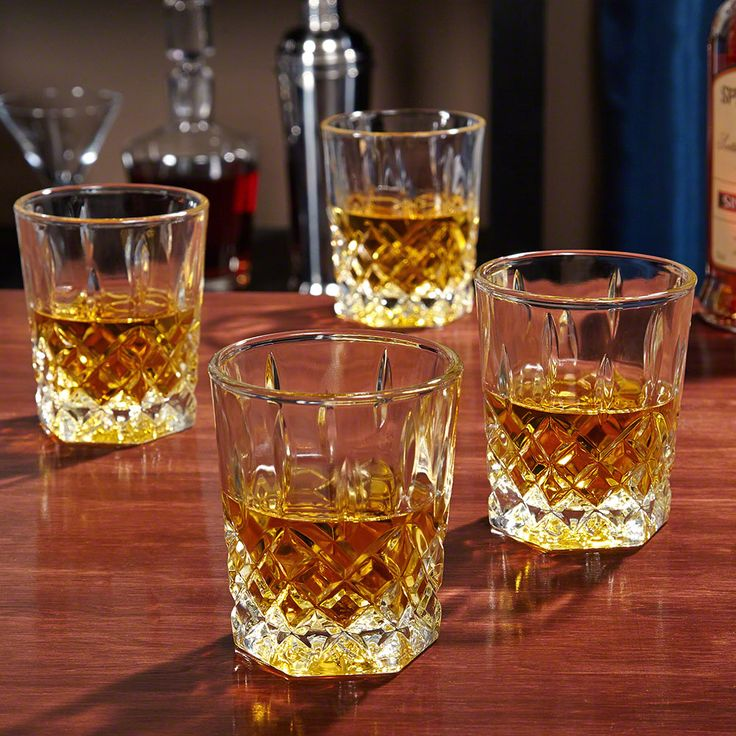 Tradition and exquisite style are bound together in our St. Lorenz whiskey glasses. Coming in a set of four, each premium rocks glass features a unique, six-sided hexagon base which tapers beautifully...