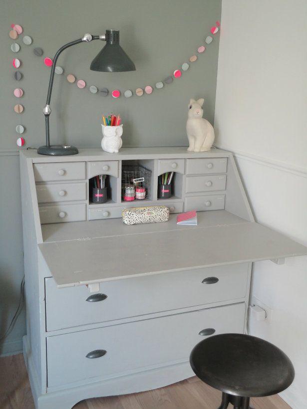 I NEED a secretary's desk!