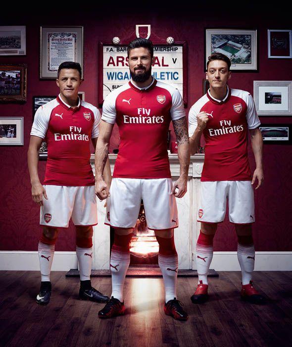 Arsenal - 2017-18 Home Kit - Alexis Sanchez, Olivier Giroud, Mesut Ozil