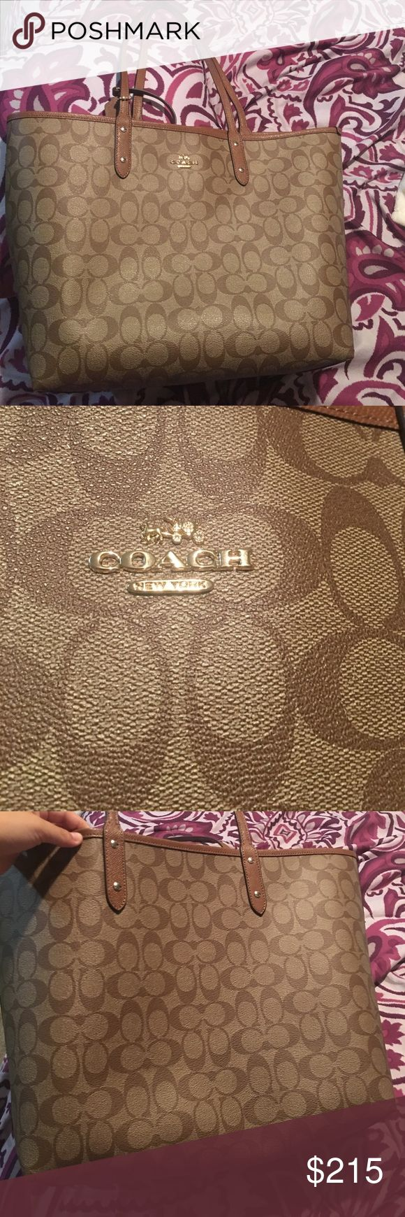 Coach tote bag Never used and comes with a coach Wallet Coach Bags Totes